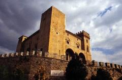 Castello di Crecchio.jpg